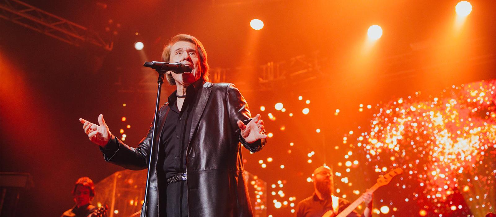 Raphael viajará a Francia, Reino Unido y Rusia para presentar su aclamada gira 'Loco por cantar'